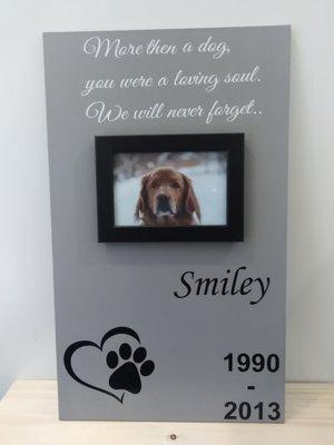 Herinneringsbord hond