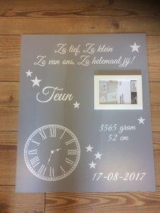 Geboortebord 50 x 60 cm met sticker klok voor 1 kindje